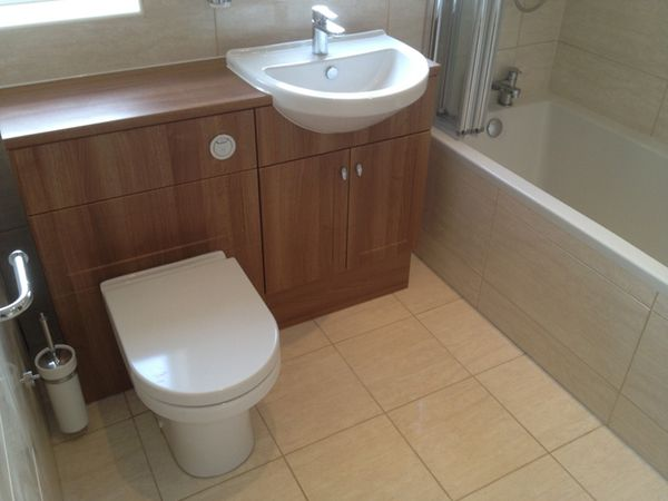 Fitted+Bathroom+Furniture+With+Bathroom+Installation+In+Leeds