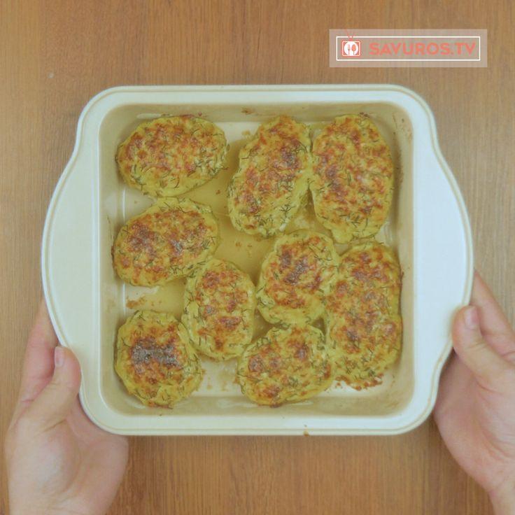 Savuros.TV Cartofi delicioși gătiți la cuptor! Rapid de preparat și aveți nevoie doar de câteva ingrediente! - Savuros.TV