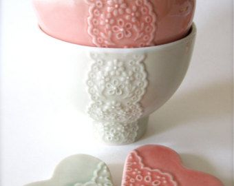 Lovely Wedding Gift Pair of Light Coral Pink and Pale Green Porcelain Lace Bowl with heart lace cutlery rests set-Hideminy Lace Series
