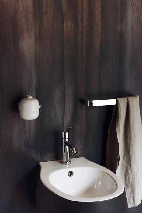 Agape 2010 Pear Bidet Black Exterior With White Interior Bathrooms From Liquid Design