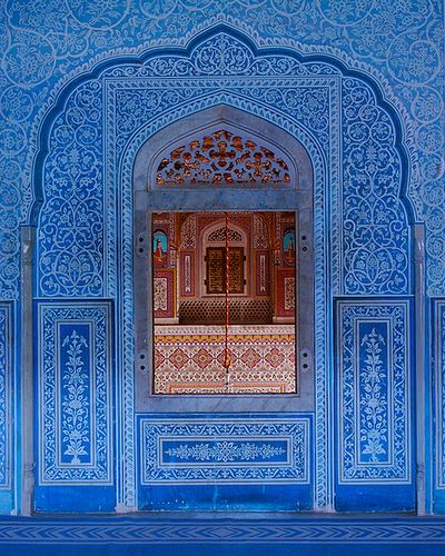Window in Pushkar, India