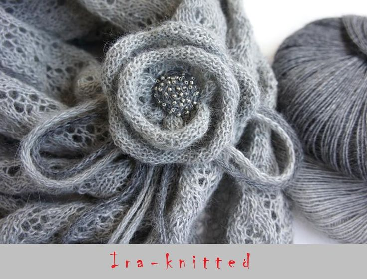 Knitted roses - easy to follow pictures
