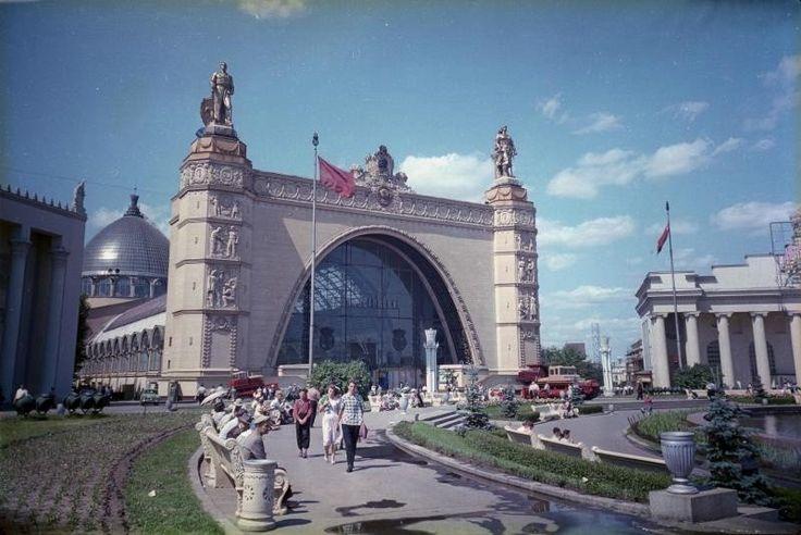 1960-63 Павильон «Машиностроение» на ВДНХ. Шагин.jpg