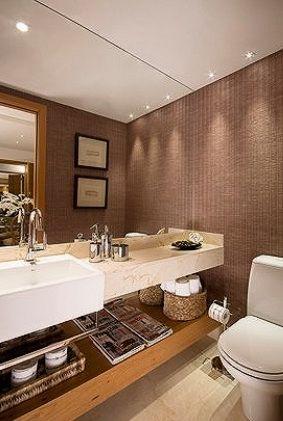 lavabo com papel de parede dourado - Pesquisa Google