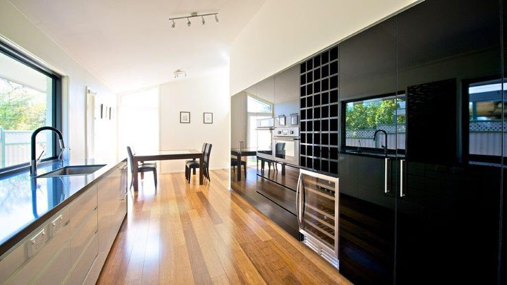 Black Gloss kitchen.... #Polytec #createc