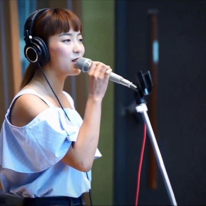 her vocals  . artist: f(x)'s luna song: free somebody (underrated af) . have a nice day btw  . . . . #kpop#girlgroup#multifandom#gg#korean#idols#exid#mamamoo#snsd#redvelvet#twice#apink#girlsday#4minute#sistar#aoa#2ne1#blackpink#wjsn#pristin#lovelyz#ioi#gfriend#stellar#dalshabet#bravegirls#hellovenus#ladiescode#clc#like4like