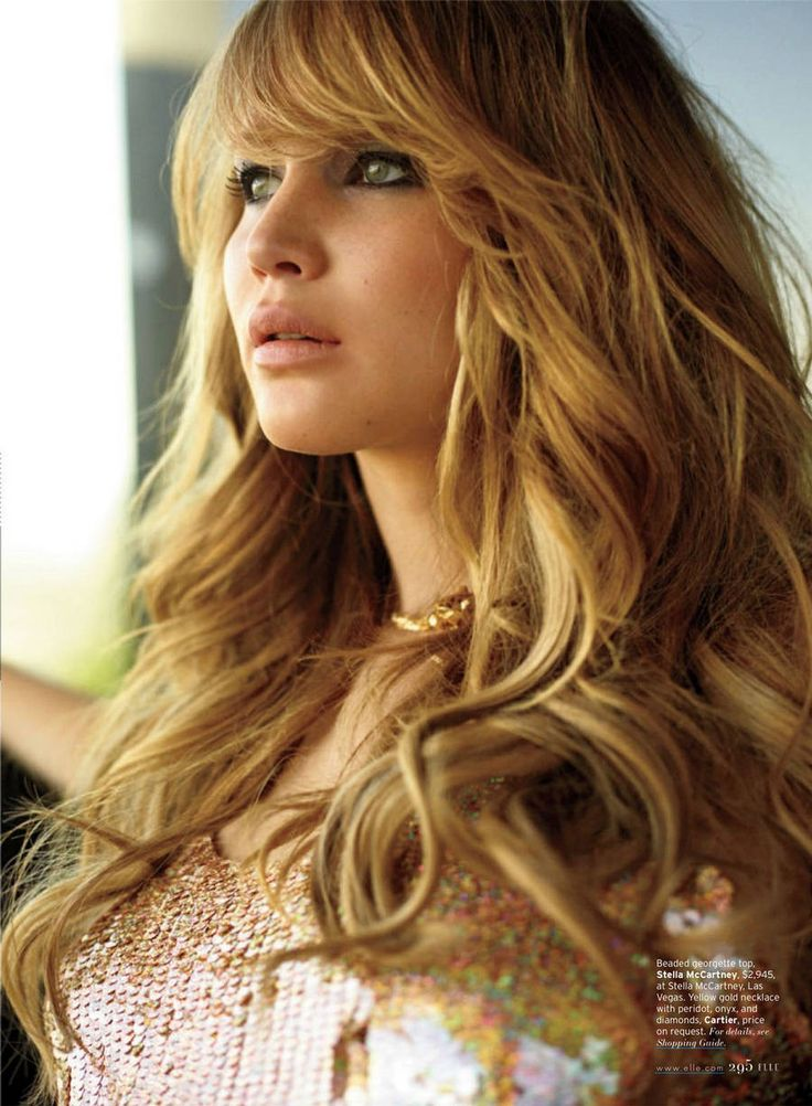 Jennifer Lawrence: Looks great, no matter what length her hair is. Especially love this color and cut!