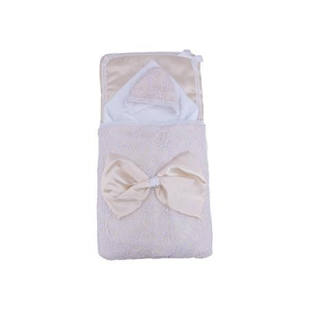 Арго Комплект на выписку 3 пред. АЖУР, Арго, шампань  — 2290р. - Рождение малыша - это праздник для всей семьи! Момент выписки мамы с ребенком из роддома - один из самых трогательных. Сделать его более торжественным поможет красивый комплект для выписки. Он состоит из трех предметов: два одеяла и нарядная шапочка. Одно одеяло сшито из красивого атласа, на мягкой хлопчатобумажной подкладке. Оно декорировано ажурной органзой и декоративным бантом. Второе одеяло - из хлопкового трикотажа…