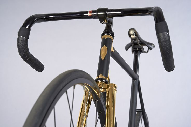 Heritage-Paris H-007 GOLDFINGER Photo: GQ  #bicycle #frame #heritageparis #bespoke #photography #gq #singlespeed#fixedgear #fixie #pignonfixe #luxe #luxury #H007 #velo #steel #madeinfrance #jamesbond #goldeneye #gold #24K #handmade #unique #handcrafted #thomaserber #cdcte