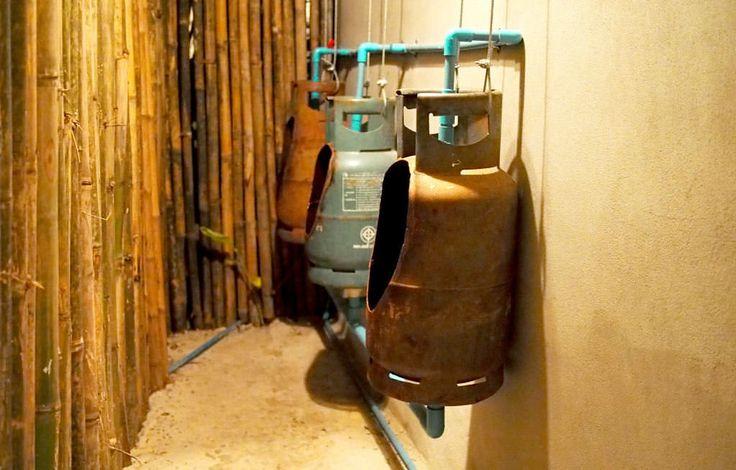 Repurposed Gaz 병에서 소변기 자작 자 아이디어 홈 개선 상호 작용, 일어나는 & 스트리트 아트 금속 재활용