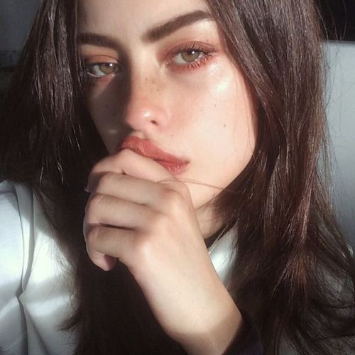 / Pinterest naomiokayyy  Make-up, Magnificence, faces, lips, eyes, eyeshadow, ha…