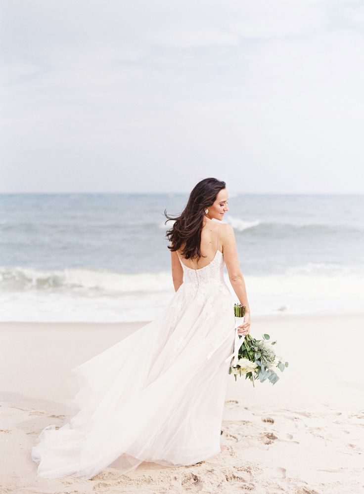 Photography : Judy Pak Photography | Wedding Dress : Monique Lhuillier  | Grooms Attire : MySuit Read More on SMP: http://www.stylemepretty.com/2017/02/17/a-boathouse-ceremony-the-perfect-summer-wedding/