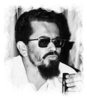 Carlos Fonseca. Político y revolucionario nicaragüense. Uno de los fundadores del Frente Sandinista de Liberación Nacional.