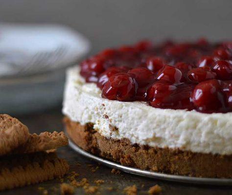 Het recept voor een klassieke MonChoutaart met bastognekoekbodem en een lekkere TWIST. Deze heerlijke taart moet je echt een kreeg proberen.