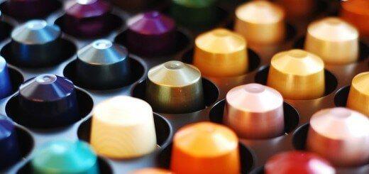 Vos dosettes de café Senseo / Nespresso 4x moins cher !  Nespresso, what a waste ! Faire du café un objet de mode et de luxe, sexy et convoité, tout ça pour vous le vendre à prix d'or, je tire mon chapeau aux gens de...