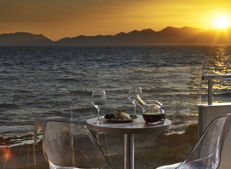 Looking for something #romantic to surprise your other half? How about a #sunset #dinner by the sea? #AlasResort