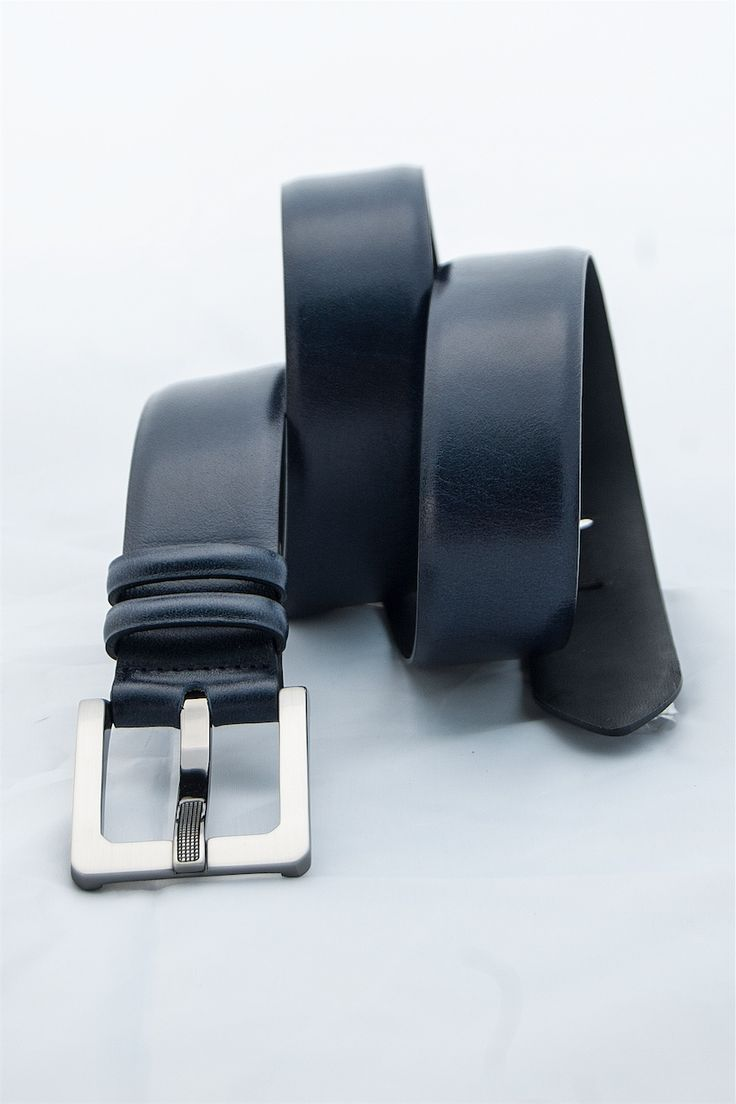 leather man's belt of calf. buy it in our e-commerce! #leather #man #look #moda #fashion #vogue #belt
