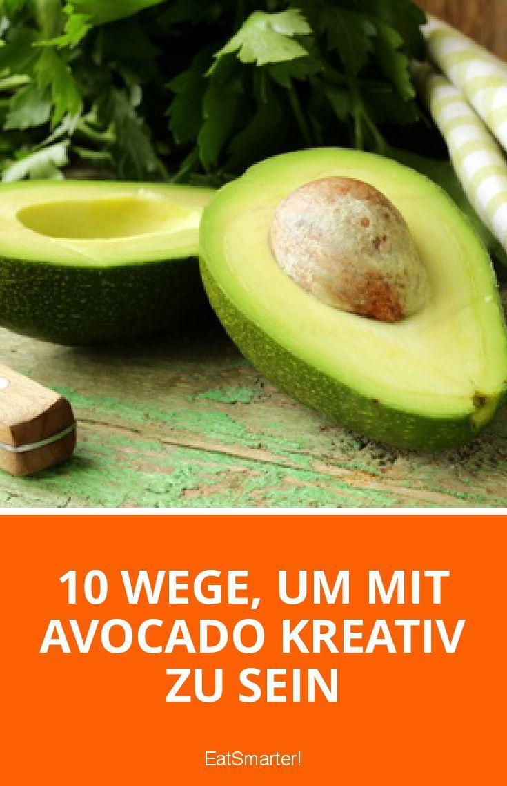 Mmmhhh Avocado – die cremige Frucht hat in unseren Obstkörben schon einen festen Stammplatz gefunden. Doch wie kreativ und vielseitig das Obst ist, das wissen viele noch nicht. Besonders für Veganer, Glutenunverträgliche oder alle, die ein paar Pfunde loswerden wollen, ist hier ein Rezept dabei. Was man alles aus Avocados zaubern kann, sehen Sie in unserer heutigen EAT SMARTER-Topliste!
