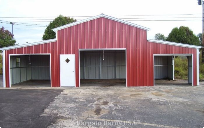 Barn with Lean-tos