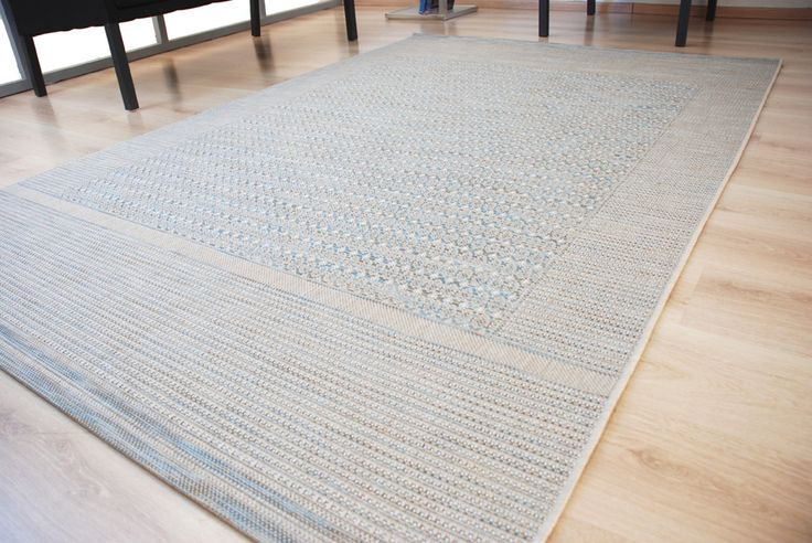 A #FlateaveCarpet is created by interlocking warp (vertical) and weft (horizontal) threads.