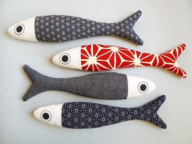 BIG FISH: cuscini-pesce da parete realizzati con tessuti giapponesi - lunghezza 60 cm