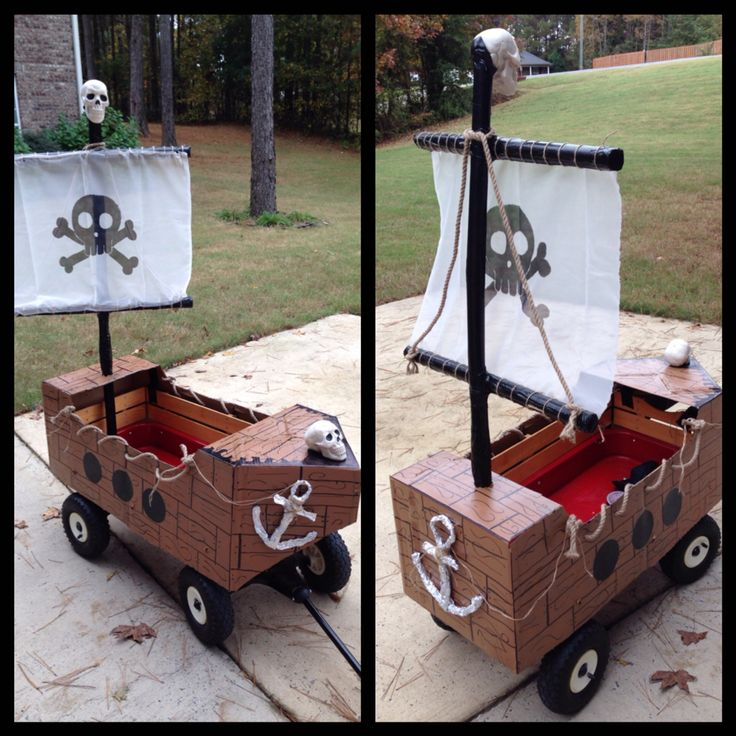 Pirate ship wagon. Awesome Halloween transportation for my nephew and his broken leg!