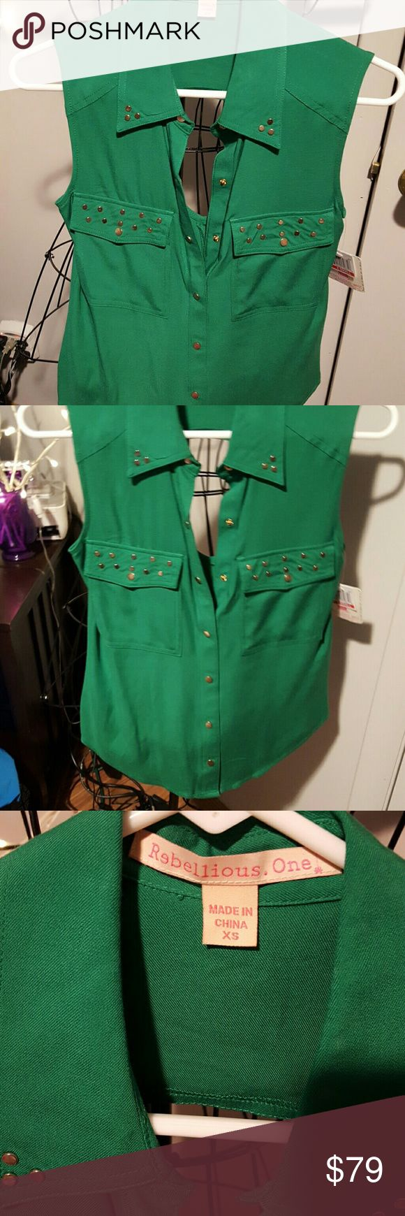 REBELLIOUS ONE, NWT,GREEN SHORT SLEEVED  TOP NWT SHORT SLEEVED GOLD EMBELLISHMENTS Rebellious One Tops Blouses