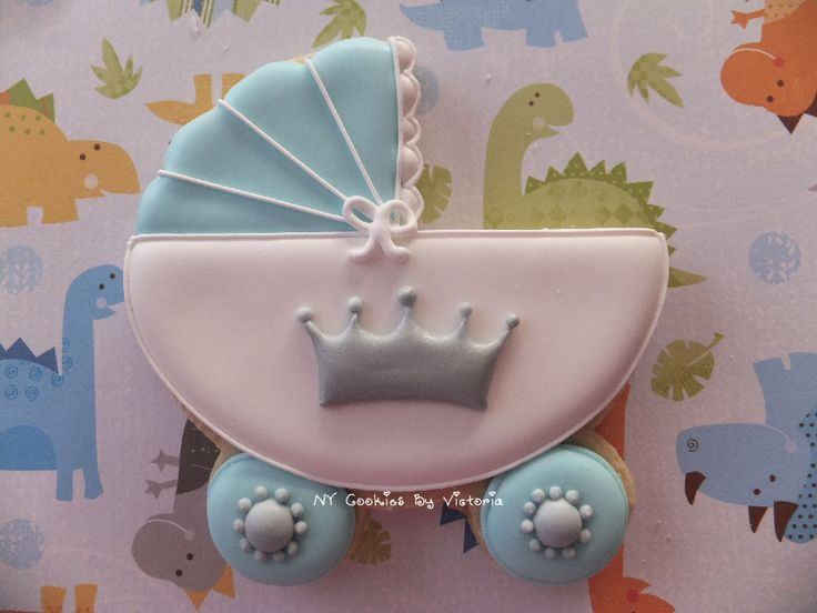 Baby Carriage Royal Prince Theme Cookie. This cookie is Carrying a Royal Prince - That's why the Crown. You can see more Ideas for your party HERE: http://nycookiesbyvictoria.blogspot.com