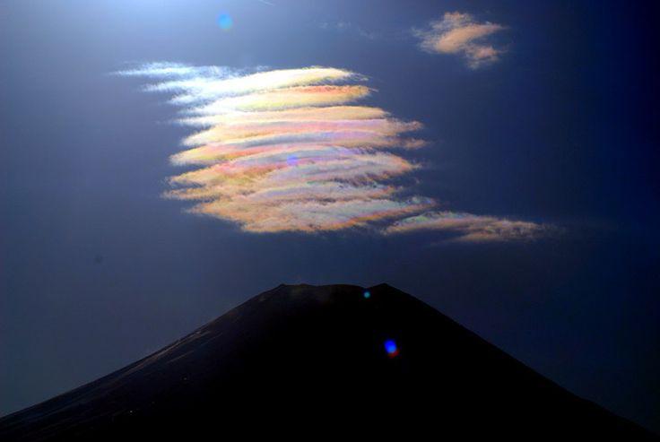 【奇跡の一枚】自然が作り出す奇跡の雲!20選 | Amp.