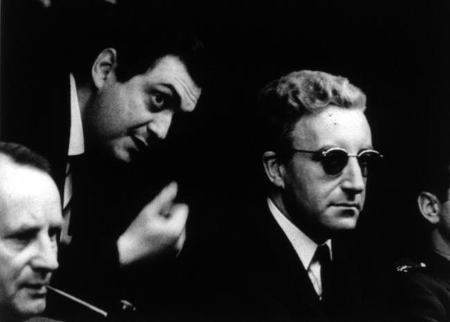 Kubrick et Sellers sur le tournage de Docteur Folamour