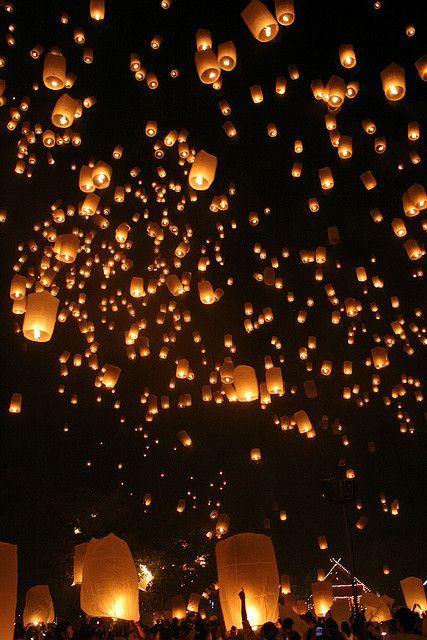 Chiang Mai Floating Lanterns Festival, Thailand
