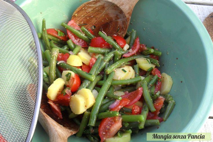 Mangia senza Pancia | L'insalata fagiolini, patate e pomodorini è riempitiva e poco calorica, piena di sapore e colorata: ideale da servire quando fa caldo.