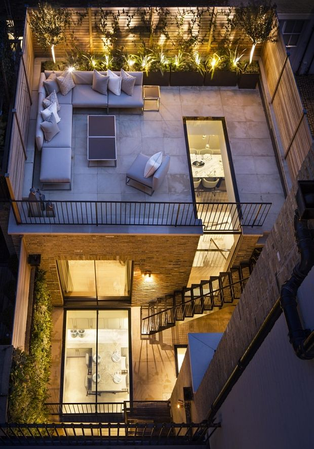 House with roof terrace and underground kitchen (Thatcher's old house, redeveloped in Chester Square, Belgravia)