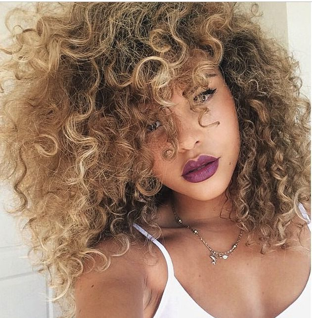 Loving this hair like wow how pretty would this be with a chunky sweater this fall : )