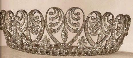 Tiara de Baden Palmette. Ceada por la firma de joyeria Roch en Frankfurt hacia el año 1900. Posiblemente fue el regalo que el Emperador Guillermo I de Prusia hizo a su hija la Pricesa Luisa al casarse con el Gran Duque Federico I de Baden