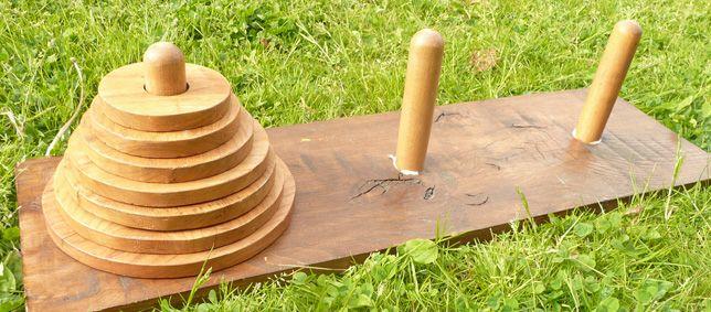 La tour de Hanoï qui peut être réalisable avec des matériaux de récupération.