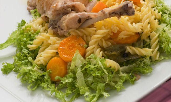 Receta de Conejo en escabeche con ensalada de pasta - Karlos Arguiñano
