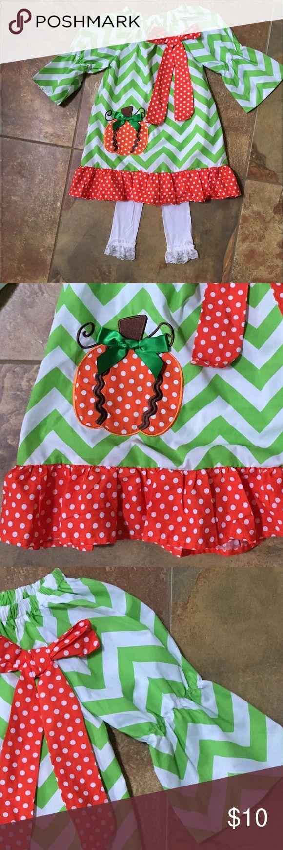 Precious chevron pumpkin dress NWOT Adorable little girl chevron pumpkin dress. Very cute paired with ruffle legged legging tights also in my closet. Xxxl size 8, XL size 6 Dresses Casual