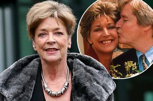 Coronation Street's beloved Deirdre Barlow dies aged 60. Anne Kirkbride, who has been on British tv screens every week for over 40 years, she will be very missed,