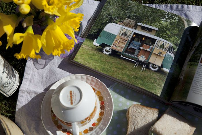 #Boutique #Camping Picnic With An Eco Twist - solar kettle, storage and food wraps http://www.inspiredcamping.com/boutique-camping/