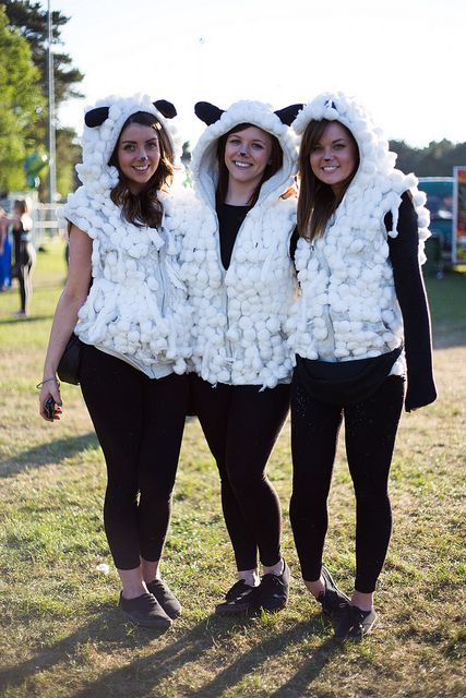 Teen Group Of Sheep Costume Really Simple To Make Diy