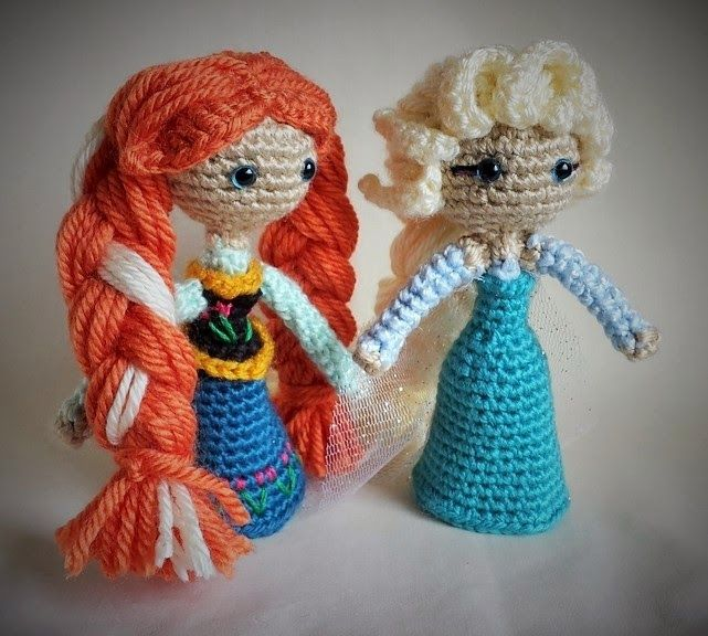 Photo: Anna and Elsa - Frozen