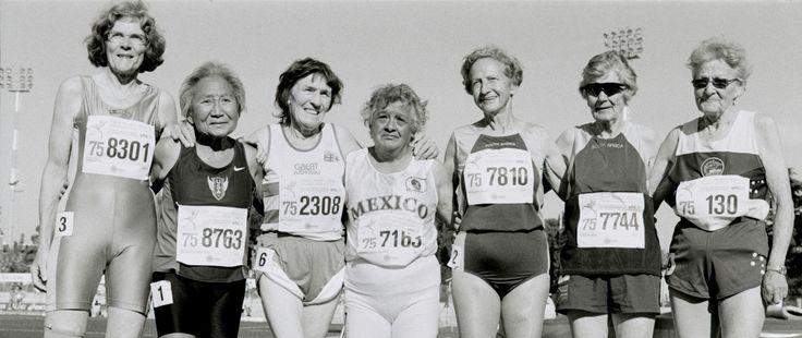 Fotografías de Angela Jiménez visualizan la energía de los atletas mayores