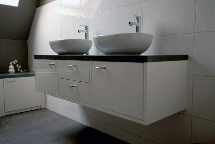 Mooie wasbak verbouwing boerderij pinterest search - Deco toilet grijs ...