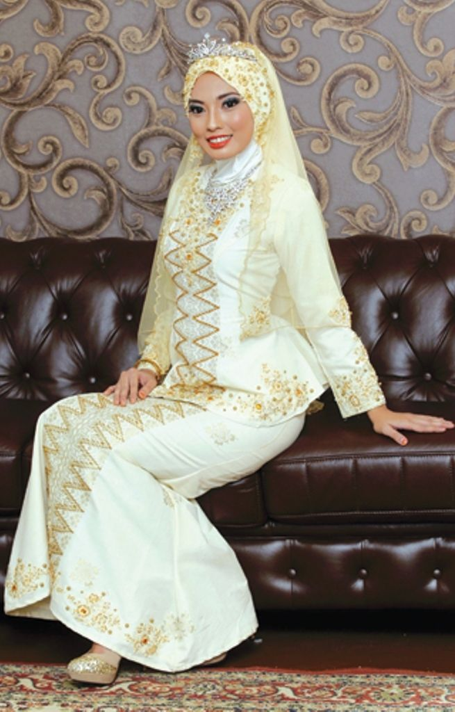 Malay Wedding Dress - Kebaya songket