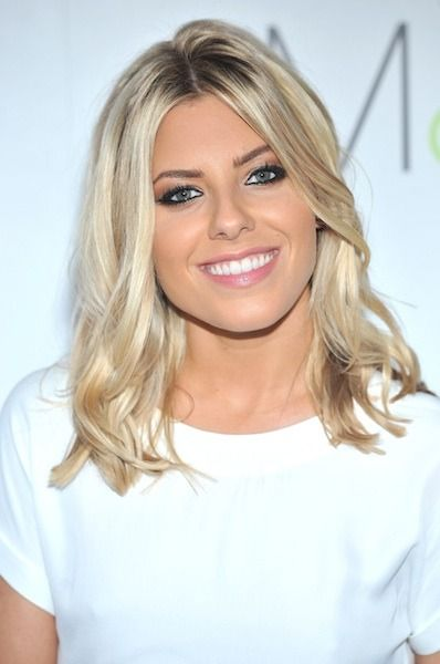 Mollie King - hair length