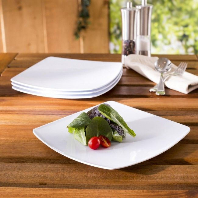 Our Quad dinner plates are perfect for your outdoor serving. Whether you are having a casual BBQ in the backyard, an afternoon pool party or dinner on the deck at the cottage, these clean white plates are the perfect choice for summer entertaining.