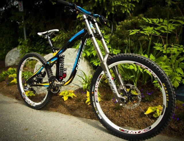 best 25 downhill bike ideas on pinterest freeride mountain bike mtb and mountain bike pedals. Black Bedroom Furniture Sets. Home Design Ideas