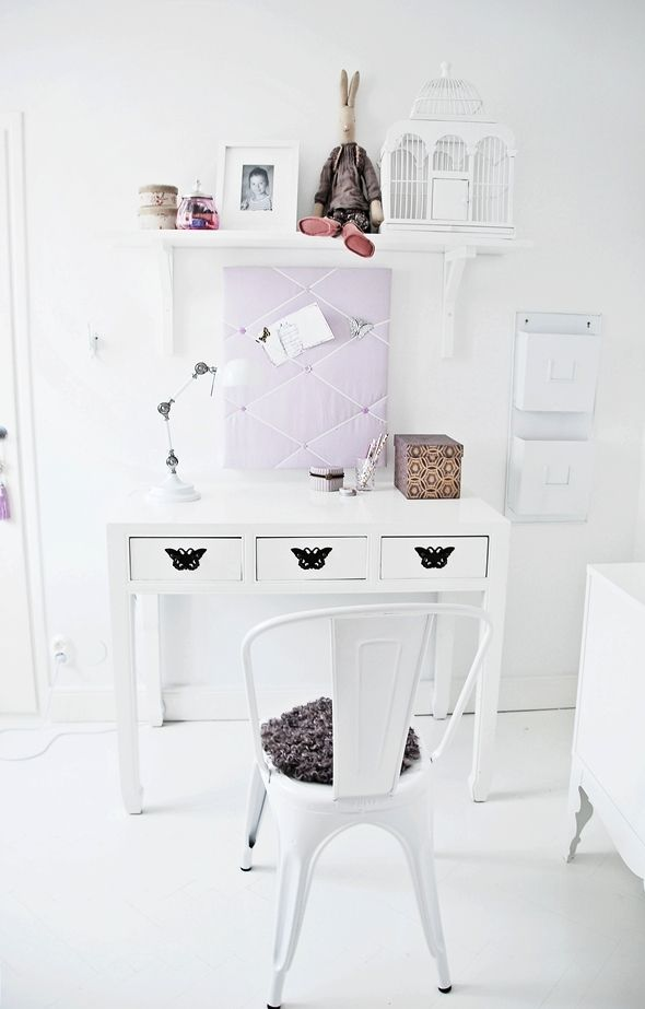 HOUSE of PHILIA: kids room + pretty white desk