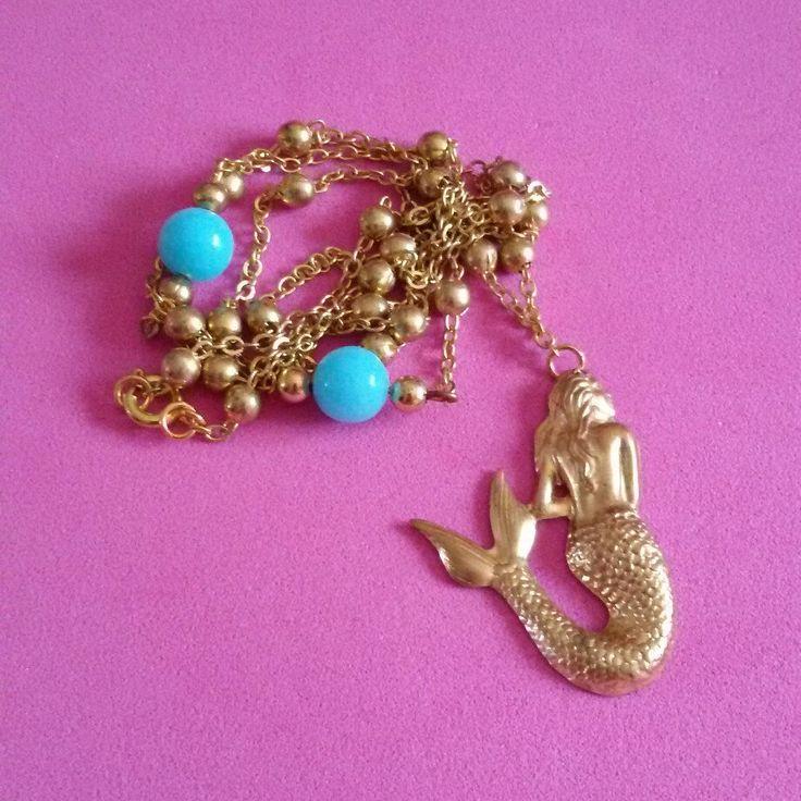 Collana color oro con inserti di perline azzurre e sirena in stile rockabilly Hawaii pin up kawaii